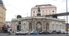 Austria. Vienna, Albertina Museum. Monument (Traveling with Simone) Tags: austria vienna canonpowershot albertinamuseum museum outdoor architecture arch road statues monument cars albertina musee