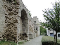 Remnant of the city wall from the Middle Ages (Joop van Meer) Tags: brussels 2015 gr12 villersstraat