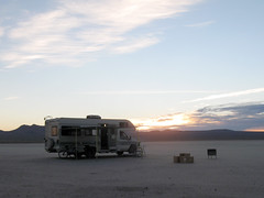 Jamboree sunrise (simonov) Tags: lake desert dry 1993 mojave rv motorhome jamboree searcher elmirage carcamping scta classc
