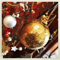 Joyeuses fêtes à toutes et tous... Merci de votre présence lumineuse tout au long de cette année. Avec vous c'est tous les jours Noël. Parcourir vos univers, profitez de votre poésie, déguster vos photos sont des cadeaux inestimables, une parenthèse... (NUMERIK33) Tags: numerik33 explore fête noël noëlfêtedécoration hipstamatic