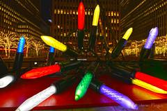 Xmas Lights (..Javier Parigini) Tags: usa unitedstates estadosunidos newyork newyorkcity manhattan nyc nuevayork xmasspirit xmas navidad espíritunavideño christmas christmasspirit xmaslight christmaslights nikon nikkor d800 1424mm f28 flickr javierparigini