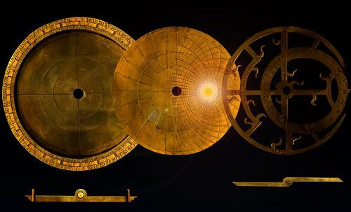 "Astrolabios, ubicantes de estrellas guía • <a style=""font-size:0.8em;"" href=""http://www.flickr.com/photos/30735181@N00/32230768620/"" target=""_blank"">View on Flickr</a>"