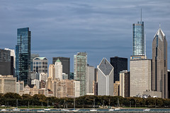 Chicago on Lake Michigan (Lucille-bs) Tags: amérique etatsunis usa illinois chicago lac architecture building bateau port cielbleu michigan lacmichigan skyline