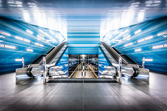 Future is here (_gate_) Tags: hamburg germany deutschland elb hanse stadt überseequartier city hafenstadt eu metro ubahn architecture architektur sigma 1020mm 4056 nikon d5300 high key dynamic range art august 2015 blue light licht und schatten holiday citytrip sight seeing