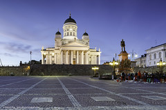 Helsinki Cathedral Finland (Shahid A Khan) Tags: architecture landmark light people travel cathedral center column day dome emperor europe exterior facade finland finnish helsinki monument scandinavia sculpture square stnicholaschurch steps sakhanphotography shahidakhan photography photograph images canon5dmark2