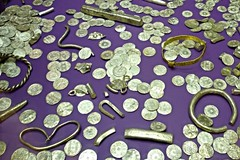 Vale Of York Hoard Silver + Gold Items @ Yorkshire Museum (CT Photography (UK)) Tags: york history museum silver gold coin king coins brooch vessel vale historical british hoard harrogate britishmuseum viking find finds gilt fragments anglosaxon neckrings armrings jórvík cuerdale cuerdalehoard hacksilver vikinghoard giltsilvervessel silverandgoldarmrings neckringsbroochfragments valeofyorkhoard