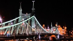 Liberty Bridge and Gellèrt @ Budapest (janvandijk01) Tags: bridge brug boedapest budapest hungary hongarije liberty gellert vrijheid