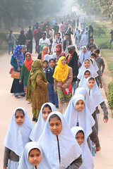 School Trip (peterkelly) Tags: digital canon 6d india asia humayuntomb delhi school students girls muslim visitors tourists moghul