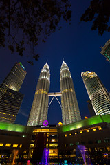 Petronas Towers (Fevzi DINTAS) Tags: petronas towers malaysia asia kualalumpur capital city cityscape sunset architecture building nature travel tourism visit tour places destinations attractions shoppingmall garden pool show light water afterdark paza140