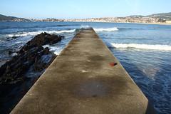 Espigón de Playa América [EXPLORADA] (Contando Estrelas) Tags: playaamérica praiaamérica nigrán pontevedra ríasbajas ríasbaixas galicia españa spain playa beach praia