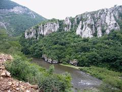 Iszker-völgy sziklái