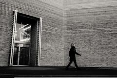 """Day 126_KuMu (Frédéric Cottens - Photographie """"brute"""") Tags: kumu fuji fujifilm xt2 bw basel switzerland street streetsofmine streetphotography photographiebrute day126 365 profil door"""