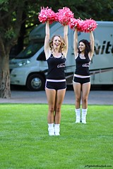 Cheerleaders (Jeff G Photo - 2m+ views! - jeffgphoto@outlook.com) Tags: cheerleaders cheerleader canarywharf canadaplace pompoms pearlizumitourseries pineapplecheerleaders canadaplacepark