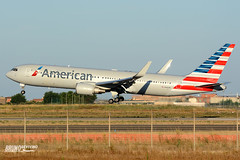 Boeing, B767-300ER, American Airlines, N381AN (DrinkyB) Tags: rome roma nikon 7100 american boeing nikkor airlines fiumicino fco 70300 b767 b767300er b763 lirf n381an