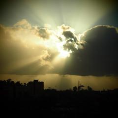 Da minha janela / From my window (Francisco (PortoPortugal)) Tags: 2512016 20160304fpbo2517 céu sky poente sunset skylights porto portugal portografiaassociaçãofotográficadoporto franciscooliveira