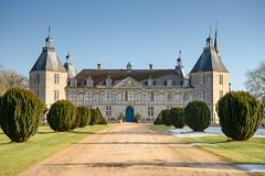 Château de Sully (Saône-et-Loire) (bautisterias) Tags: saôneetloire burgundy bourgogne france francia winter landscape rural ruralfrance country countryside frenchcountryside hiver inverno borgogna d750