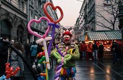 Srecan Bozic (Master Iksi) Tags: street streetphotography beograd performance performer streetperformance happy clown srbija serbia canon700d knezmihajlova colours heart