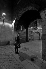 Plaça de Sant Felip Neri (Barri Gòtic Barcelona) (georgecat_1714) Tags: catalunya canon 5dmkiii 1635 barcelona barrigòtic ciutatvella plaçadesantfelipneri nit nocturnes blacinegre blancoynegro