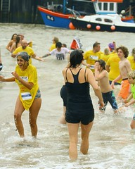 FNK_3507 (Graham Ó Síodhacháin) Tags: vikingbaynewyearsdayswim 2017 vikingbay dip swim broadstairs