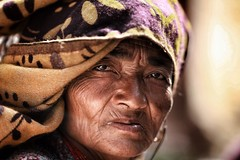 「Million Reasons」 (cisco image ) Tags: nepal katmandu portrait ritratto soul soulsound presence presenze people canon6d eyes occhi serenità street