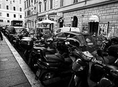 The Streets of Roma (Leguman vs the Blender) Tags: roma rome italia italie