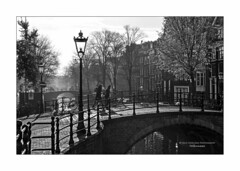 Life Around The Canal II (Nico Geerlings) Tags: ngimages nicogeerlings nicogeerlingsphotography blackandwhite bw streetphotography amsterdam reguliersgracht holland netherlands contrasts silhouette leicammonochrom 50mm summilux