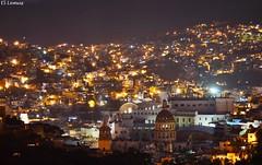 Guanajuato De Noche, Ciudad Patrimonio de la Humanidad, que muestra su encanto al caer la noche.. Foto:El Lemus (El Lemus) Tags: urban art night de noche nikon arte colonial el unesco urbano guanajuato cervantino cervantes noches pipila momias lemus urbanity urbanidad