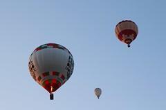 De tres en tres (Albert T M) Tags: ballon catalonia catalunya globus igualada anoia montgolfier catalogne ballonfestival europeanballoonfestival globusaerostàtic aeròstat