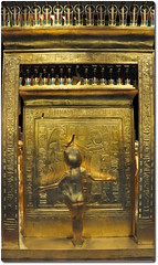 Detail  of the Gilded Shrine Featuring the Protective Guardian Selket (oar_square) Tags: canopicjars kingtutankhamun pharaohofegypt kingtut egypt egyptianreligion egyptianart graveartifactsofkingtutankhamun protectivegoddessselkut tutankhamuncaponicgildedshrine