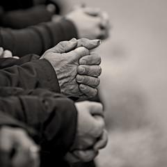 (Maurizio Aresu) Tags: maurizioaresu beautyiseverywhere hands mani cerotto bandaid life street people blackwhite