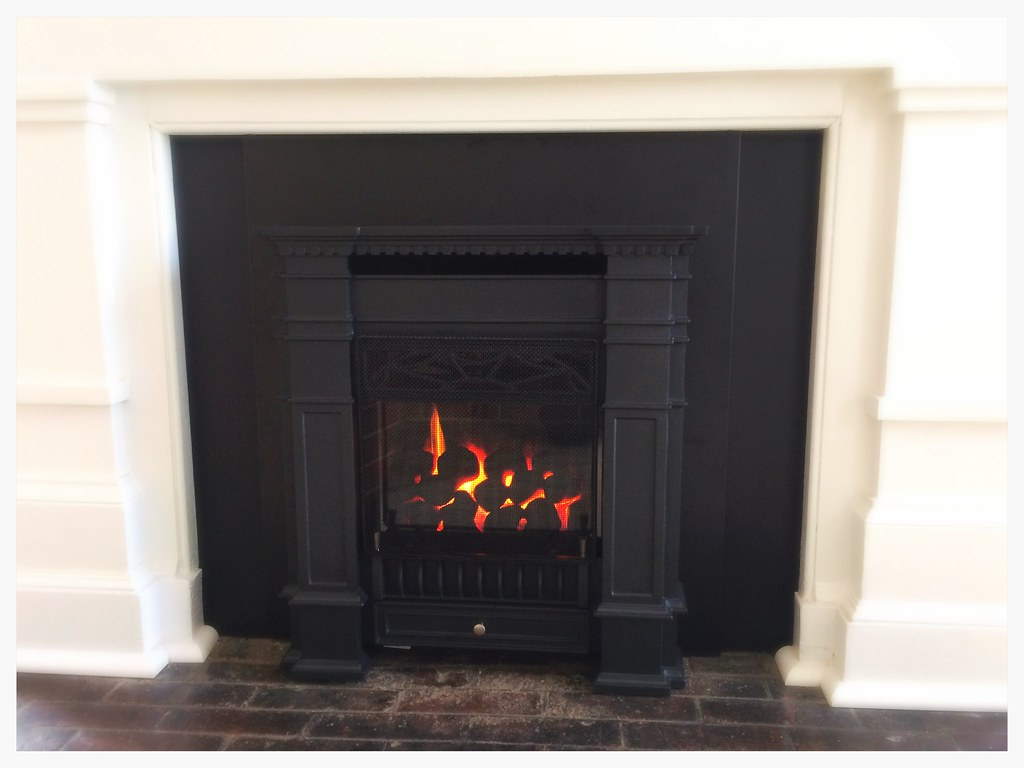 Valor Senator Direct Vent Fireplace. Chattanooga, Tn.