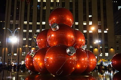 Radio City Music Hall and Giant Red Baubles, New York (mattk1979) Tags: newyear christmas winter manhattan newyork city unitedstatesofamerica usa night lights neon radiocitymusichall 1251avenueoftheamericas exxonbuilding giant red baubles