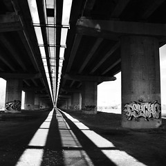 DSC_0074 (Fenilomen) Tags: bridge blackandwhite shadows graffiti