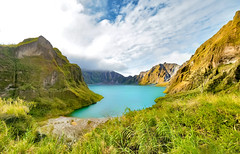 The Lunar Race (ThibaultPoriel) Tags: pinatubo volcan volcano lake turquoise lac water mountain mountains philippines olympus asia asie nomad exploration travel