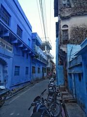 Blue Street, bundi, rajasthan, Inde du Nord (schneider_sebastien) Tags: indedunord india rajasthan bundi blue bridge sony hx400v street asie asia zeiss