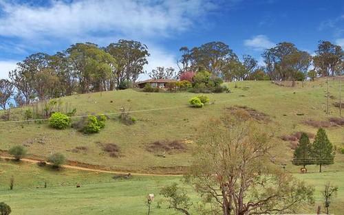17 Herbert Park Road, Armidale NSW 2350