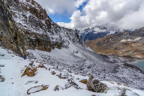 2016-10-11 - Renjola Gokyo Everest BC trek - Day 08 - Lumde to Gokyo over Renjo La Pass - 110212.jpg