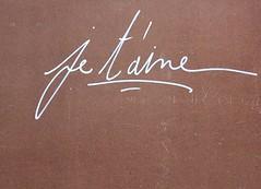 Je t'aime (Anne-Christelle) Tags: aimer mots words streetart artderue onthewall français paris13
