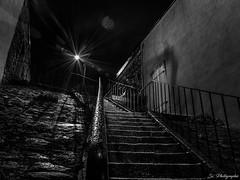 L'escalier contrasté (Damien Sz') Tags: escalier pluie lumiere monochrome blackandwhite bw nb exterieur street stair long exposure exterior art fineart artistique city laval france mayenne french photographer photographe inspiration rain night winther