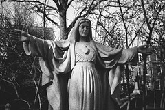 R3-028-12A (David Swift Photography Thanks for 20 million view) Tags: davidswiftphotography philadelphia westphiladelphia mary marymotherofchrist virginmary sculpture statues publicart 35mm ilfordxp2 film holyplaces leicaminilux