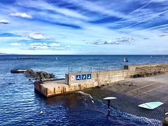 """Surfista"" (atempviatja) Tags: deporte agua nubes playa cielo océano mar surfista"