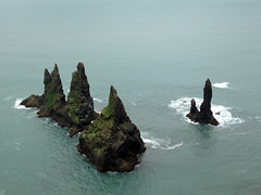 View of Reynisdrangar and Hidrangur sea stacks from Reynisfjall mountain (Anosmia) Tags: mountain iceland vik sland vk seastacks reynisdrangar reynisfjall landdrangur skessudrangur langhamar