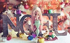 Merry Christmas! ♥ (Shimiro Kestrel) Tags: bjd doll bjdphotography bjdportrait bjdcustom siren mermaid cute kawaii depthsdolls deilf christmas alpacawig pastel pastelgirl fantasy