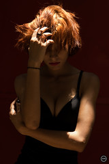 HTN - MI (172) (Monick Miranda Ibrahim) Tags: model ruiva beauty lights modern art actress beautiful magra perfect mkhtnproject photography design moda arte