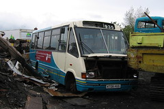 ARRIVA NORTH EAST 935 K726HUG IS SEEN AT ALAN DIXON'S SCRAPYARD IN ANNFIELD PLAIN (47413PART2) Tags: k726hug arrivanortheast scrap