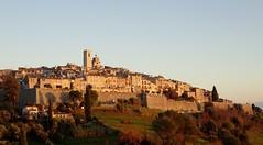 dernier soleil du premier de l'an (b.four) Tags: village paese saintpauldevence alpesmaritimes ruby5 ruby10 ruby15