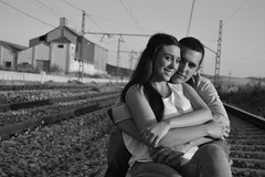 Pareja (Francisco Jimnez(F.Jimnez)) Tags: bw white black blanco train tren nikon married pareja negro boda bn agosto regalo whitw novios renfe vias preboda d3200 fotografiasdebodaenespaa