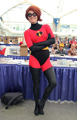 IMG_0665 (willdleeesq) Tags: cosplay disney pixar theincredibles cosplayer comiccon incredibles elastigirl cosplayers sdcc sandiegocomiccon comiccon2015 sdcc2015 sandiegocomiccon2015