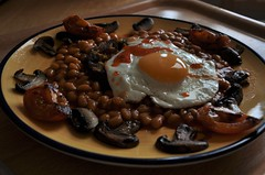 a new, new year brunch (1/365) (werewegian) Tags: breakfast egg vegetarian mushroom tomato beans happynewyear jan17 werewegian 365the2017edition 3652017 day1365 1jan17 iatethis week1theme