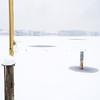 still und starr ruht der see. (zeh.hah.es.) Tags: pfäffikersee seegräben ktzh winter schnee snow ice eis wasser water schweiz switzerland weiss white gelb yellow blau blue holz wood nebel fog badeanstalt badi vier four